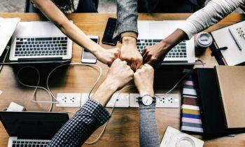 Mas práctica, menos teoria: La academia al servicio de los proyectos de emprendedores, de la empresa privada y del sector solidario